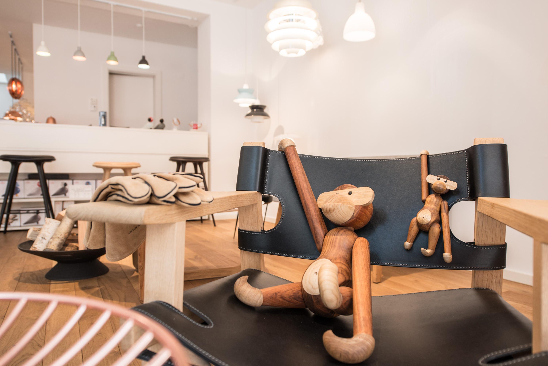 lagom-showroom-kay-bojesen-mater-louis-poulsen
